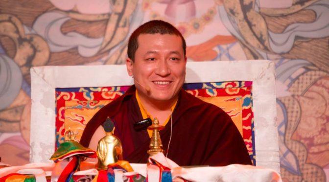 噶瑪巴邀請妻子與他一起出席在格勒諾布爾的佛學講座